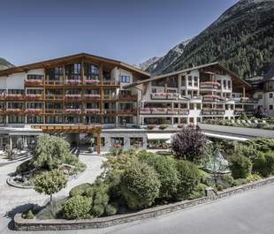 Hotel DAS CENTRAL - ALPINE . LUXURY . LIFE
