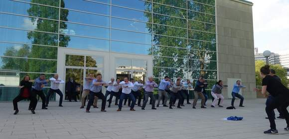 Teambuilding-Event HAKA, Icebreaker, Energizer, Tagung, Meeting, Motivation, Unterhaltung