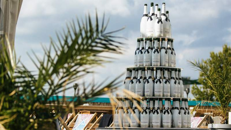 Champagner Pyramide beim Gala-Event