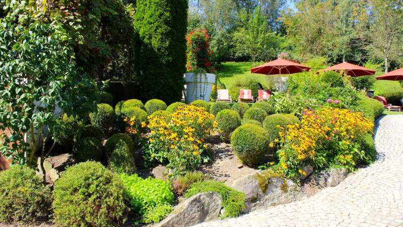 Sommergarten im 5-Sterne Hotel St. Wolfgang in Bad Griesbach