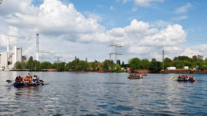 Floßbau: TeamBuilding & FunEvent