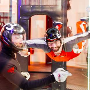 Indoor Skydiving Teamevent max. 50 Teilnehmer